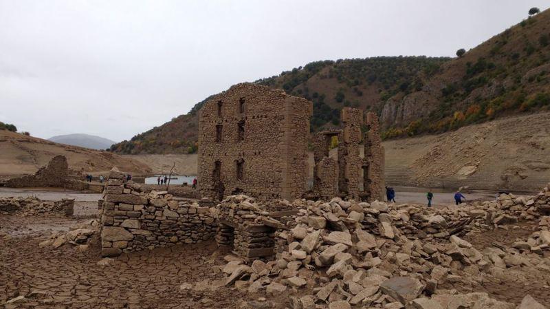 Espagne: un village noyé il y a 60 ans refait surface à cause de la sécheresse