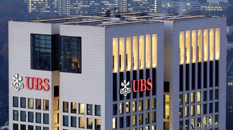 Allemagne: après des perquisitions dans ses bureaux, UBS assure être en règle