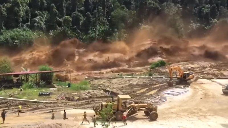 Rupture d'un barrage au Laos: des ouvriers échappent de peu à la mort