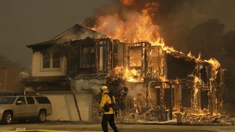 Les feux de forêt ont fait plus de 20 morts et 550 disparus dans le nord de la Californie