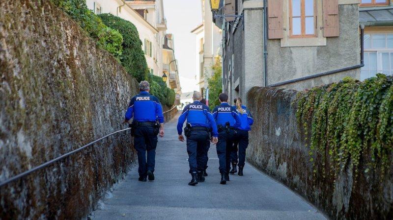 Des policiers aguerris accompagnent les aspirants qui se sont succédé jeudi en ville. Deux nouveaux groupes viendront ce vendredi.