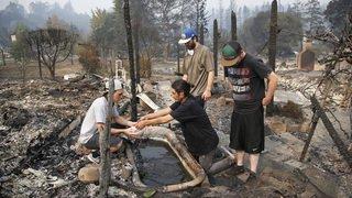 Des feux de forêt sèment la désolation en Californie