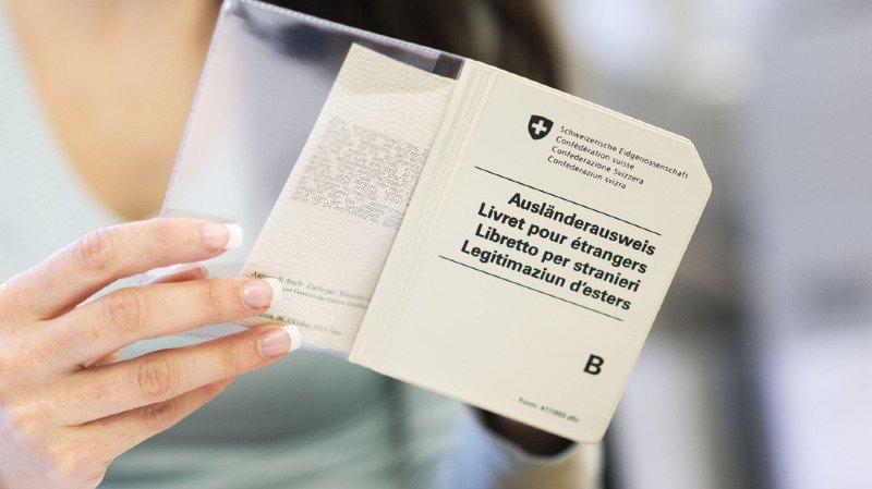Asile: les étrangers qui ne font pas d'efforts pour s'intégrer pourraient perdre leur permis