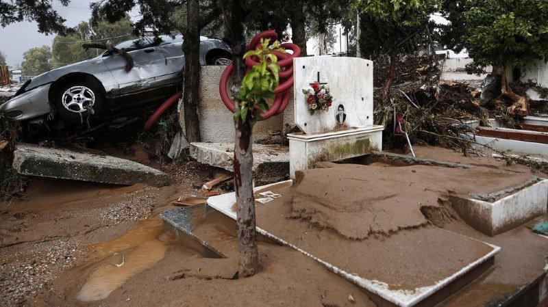 Grèce: les inondations près d'Athènes ont fait au moins 20 morts et 2 disparus