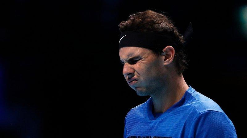 Rafael Nadal grimace. Une nouvelle fois, son corps lui a joué un mauvais tour.