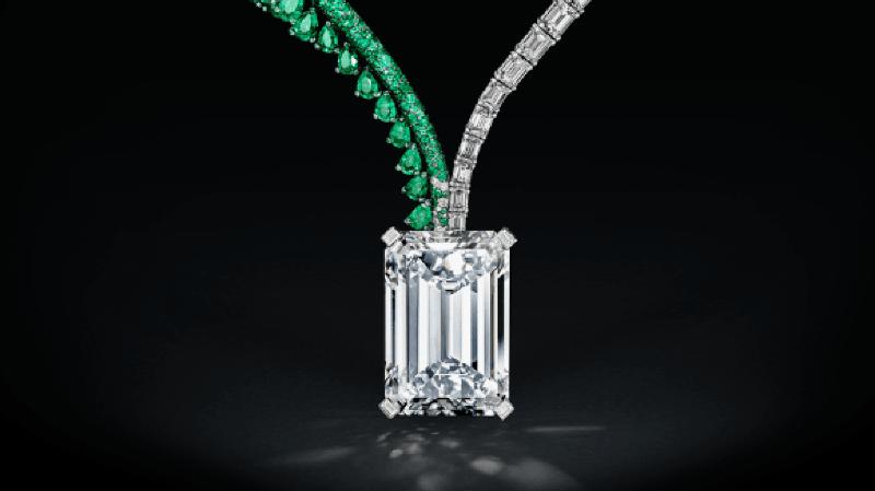 Genève: le plus gros diamant jamais vendu part pour 34 millions de dollars