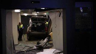 Une voiture folle finit dans le hall d'un immeuble à Lausanne