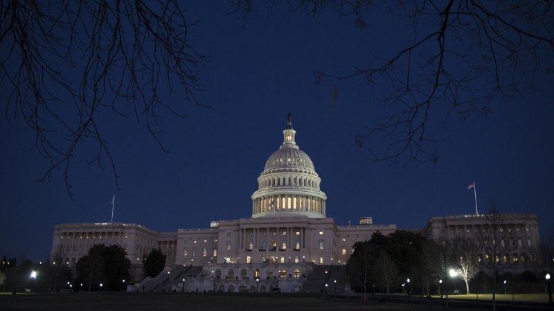 """USA: faute d'avoir trouvé un compromis budgétaire, le """"shutdown"""" entre en vigueur"""