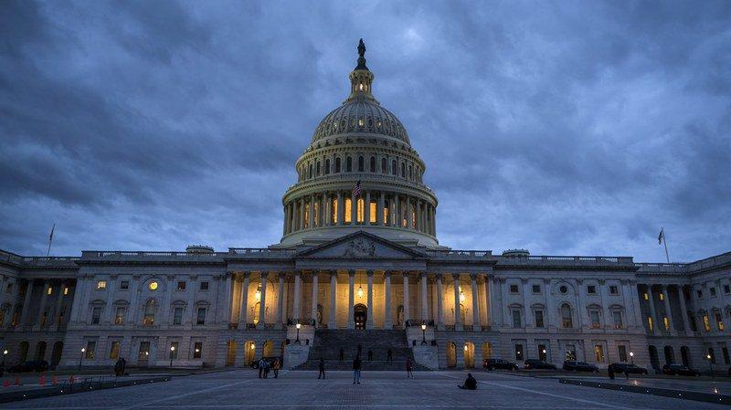 """Etats-Unis: sans compromis budgétaire, le """"shutdown"""" continue"""