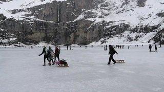 Oberland bernois: le froid fait le bonheur des patineurs