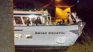 Allemagne: un bateau suisse s'encastre dans un pont