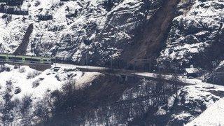 Intempéries en Suisse: neige, eau et boue!
