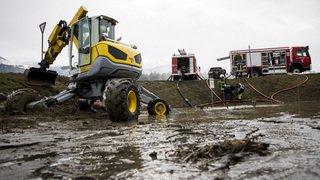 Les quantités record de pluie et de neige qui s'abattent sur la Suisse depuis 2 jours provoquent d'importants dégâts