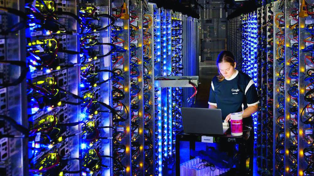 La technologie financière ou fintech déploie la technologie pour améliorer les activités financières..