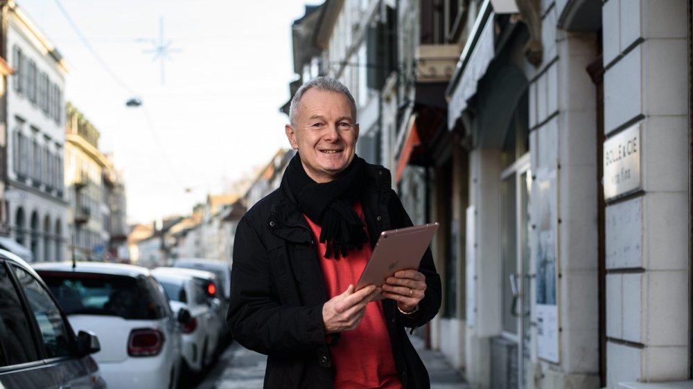 Yves-Etienne Kahn croit en la complémentarité entre les réseaux sociaux et la présence d'offices du tourisme dans les villes.