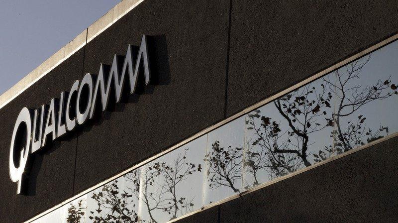 La Commission européenne a déclaré que les accords obligeant le fabricant de l'iPhone à utiliser exclusivement des puces de Qualcomm avaient commencé en 2011.
