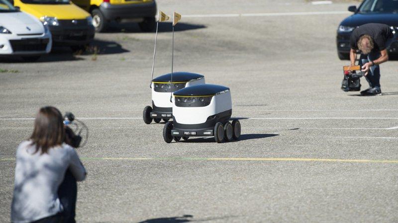 Zürich: la Poste teste un robot de livraison à Dübendorf