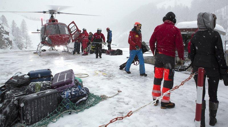Zermatt ne reste accessible que par les airs: des chutes de pierres bloquent l'accès au village