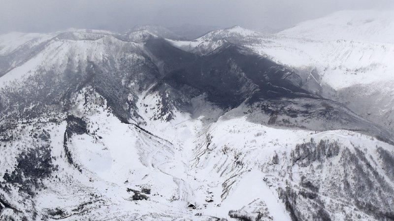 Aucun disparu n'était signalé après l'éruption de mardi qui a fait dévaler roches et cendres le long des pentes enneigées du volcan en direction d'une station de ski.
