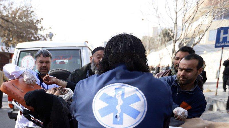 Afghanistan: une centaine de morts dans l'explosion d'une ambulance piégée à Kaboul