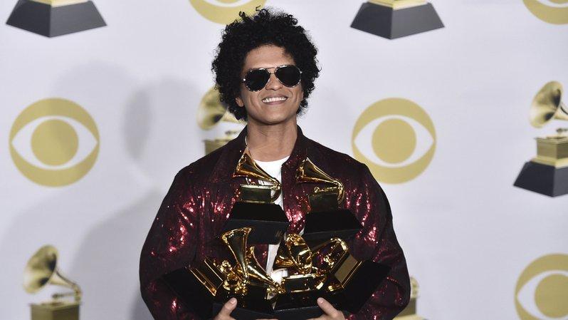 Peter Hernandez est connu sous le nom de ''Bruno Mars''.