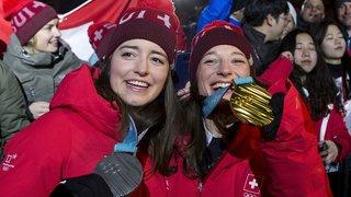 JO 2018: les championnes du ski slopestyle fêtées à la maison suisse