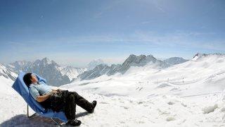 Santé: en Suisse, 320 personnes décèdent des suites d'une exposition aux rayons UV chaque année