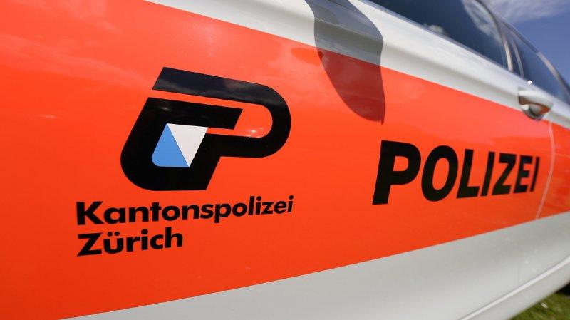 Les policiers zurichois ont dû fermer l'autoroute pour pouvoir intercepter le chauffard (illustration).