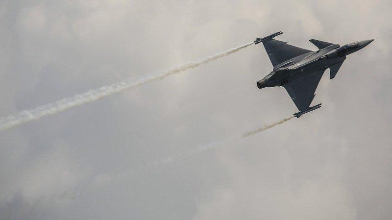 Armée: le National exclut de voter sur le choix d'un nouveau jet