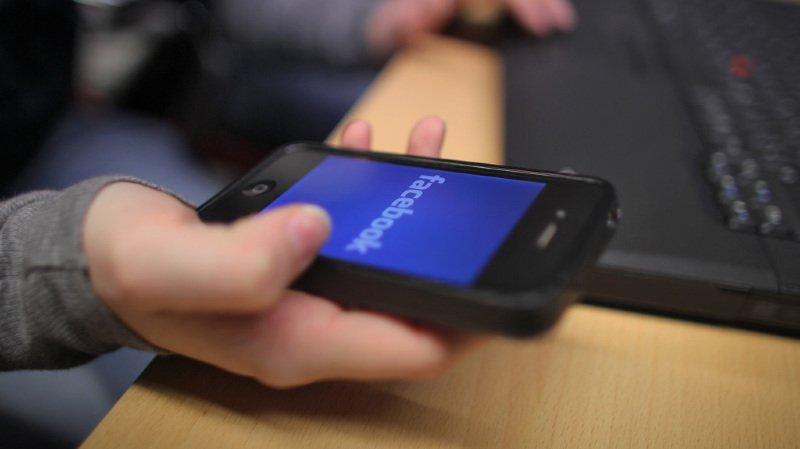Facebook: près de 30 000 Suisses auraient été victimes du vol de leurs données