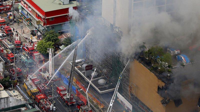 Hôtel en feu aux Philippines: 3 morts, 2 disparus et 23 blessés