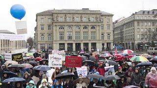 Berne: 300 personnes manifestent pour l'égalité des personnes handicapées