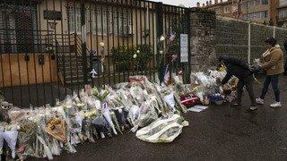 France: hommage aux victimes deux jours après une attaque terroriste dans un supermarché