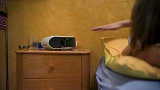 Énergie: les horloges de dizaines de milliers de radios-réveils ou de fours retardent en Europe, le bug vient du Kosovo