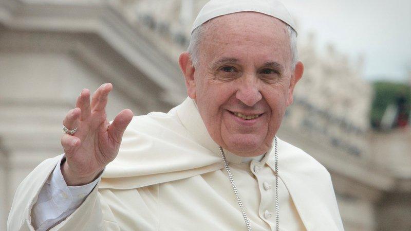 Trois conseillers fédéraux viendront accueillir le pape François.