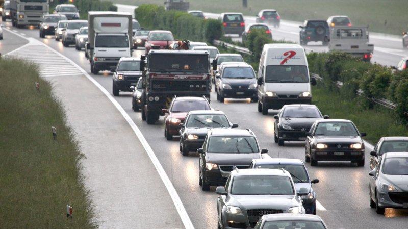 Le trafic est perturbé sur l'A1, entre le Grand-Saconnex et le pont sur la Versoix, en direction de Lausanne.
