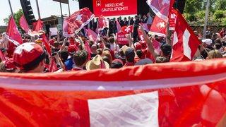 Hockey - Mondiaux 2018: les héros de l'équipe suisse accueillis par des milliers de fans