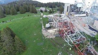 Vue aérienne: dynamitage de l'ancienne antenne de la Barillette