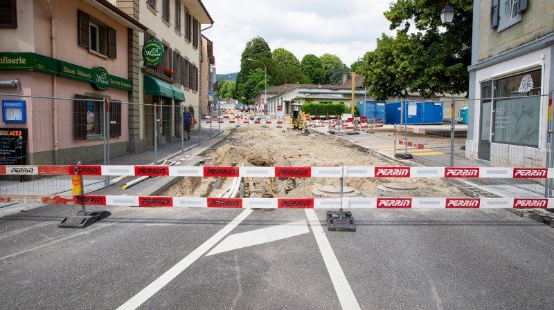 Les travaux à l'avenue du Temple ont débuté, bouleversant le stationnement en ville de Rolle.