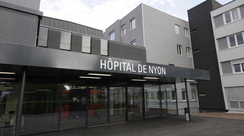 Hôpital de Nyon: il pénètre dans la salle d'attente et vide la caisse du distributeur de café