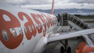 """Aéroport de Genève: passagers d'un vol Easyjet """"oubliés"""" sur le tarmac en pleine nuit"""