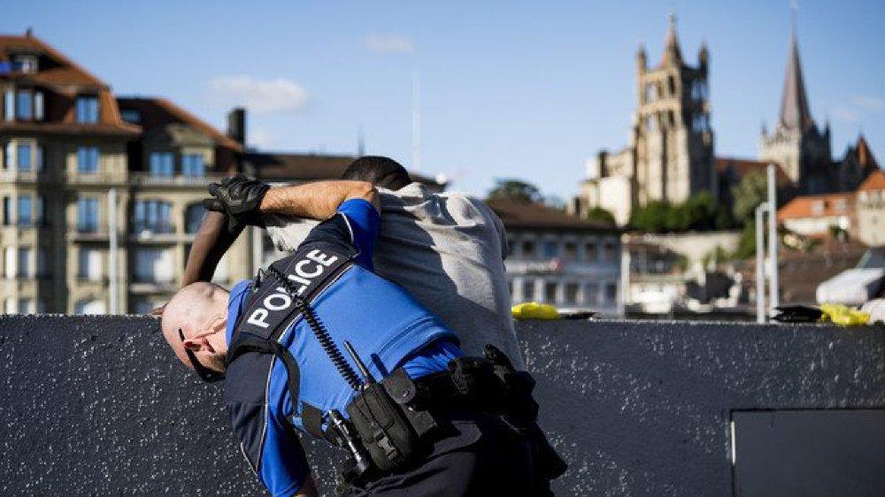 Début juin, un contrôle policier  à Lausanne.