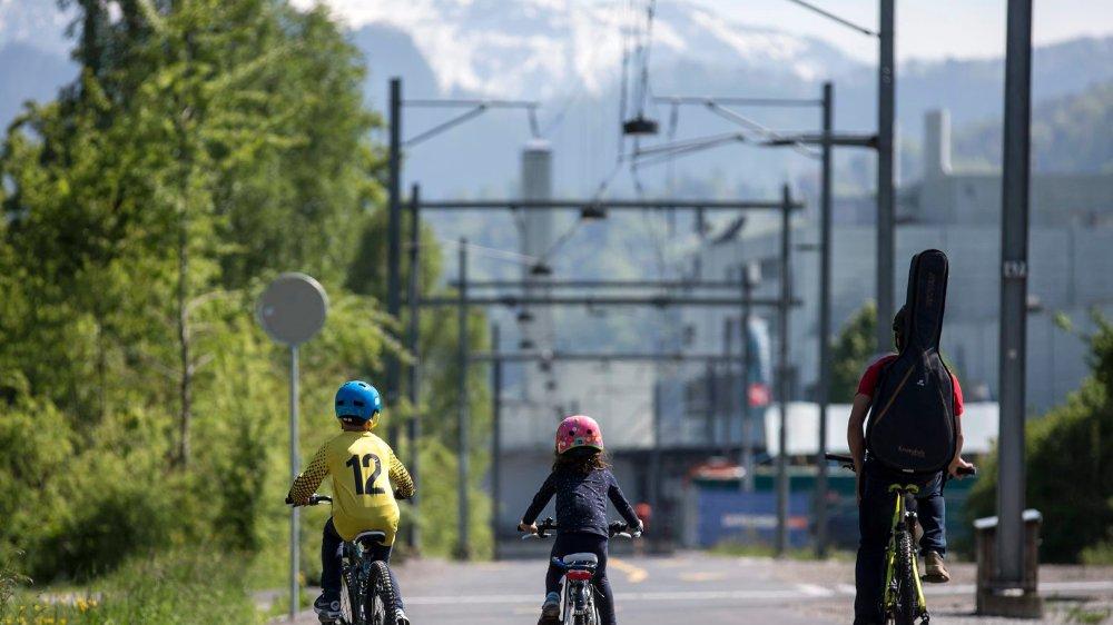 Les randonneurs disposent depuis près de 40 ans d'un article constitutionnel qui a favorisé leur activité. Le 23septembre, si le peuple dit oui,  les cyclistes bénéficieront du même avantage.