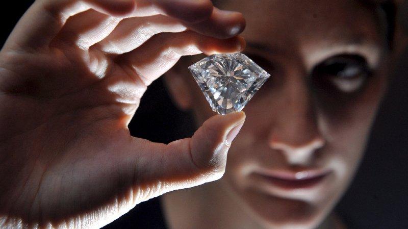 Plusieurs milliers de diamants sont enfouis à 240 km en dessous de la surface de la planète. EPA/DANIEL DEME