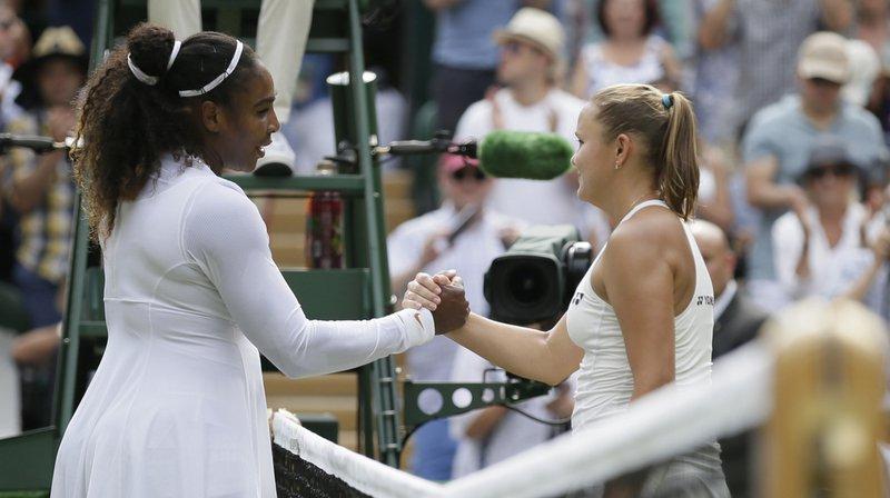 Tennis - Wimbledon: Serena Williams poursuit sa route en se qualifiant pour les quarts