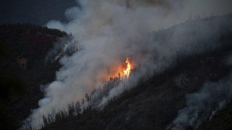 L'incendie, baptisé Ferguson, avait déjà entraîné la fermeture de l'entrée ouest du parc de Yosemite.