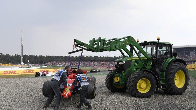 Piégé par la pluie, Sebastian Vettel est parti à la faute, laissant le champ libre à Hamilton.