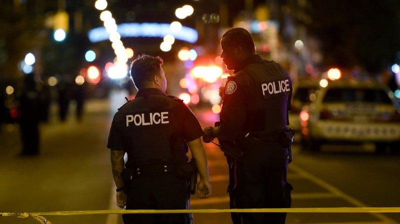 Les coups de feu ont été tirés dimanche soir vers 22h00 (heure locale) dans le quartier animé de Greektown.