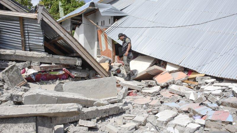 Indonésie: les touristes bloqués après un séisme commencent à descendre
