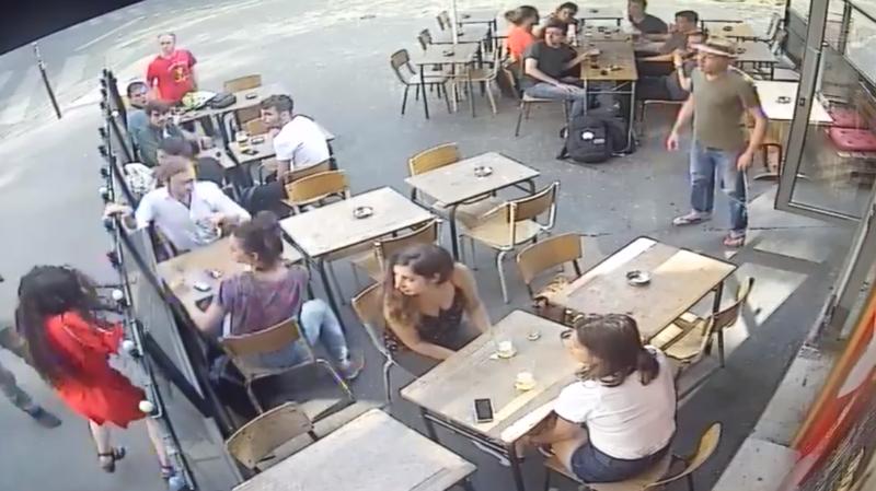 Marie Laguerre, 22 ans, a publié mercredi dernier une vidéo sur les réseaux sociaux où elle se fait frapper au visage par un inconnu dans la rue.